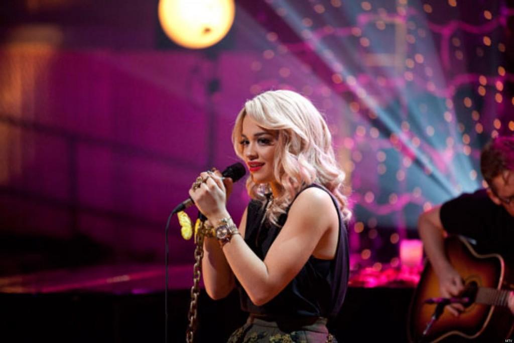 Rita Ora y Ed Sheeran se unen para cantar juntos 'Your Song'