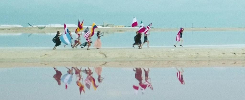 Afrojack y Luis Fonsi publican el tema 'Wave Your Flag'