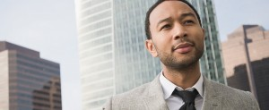 John Legend lanza 'Love Me Now'