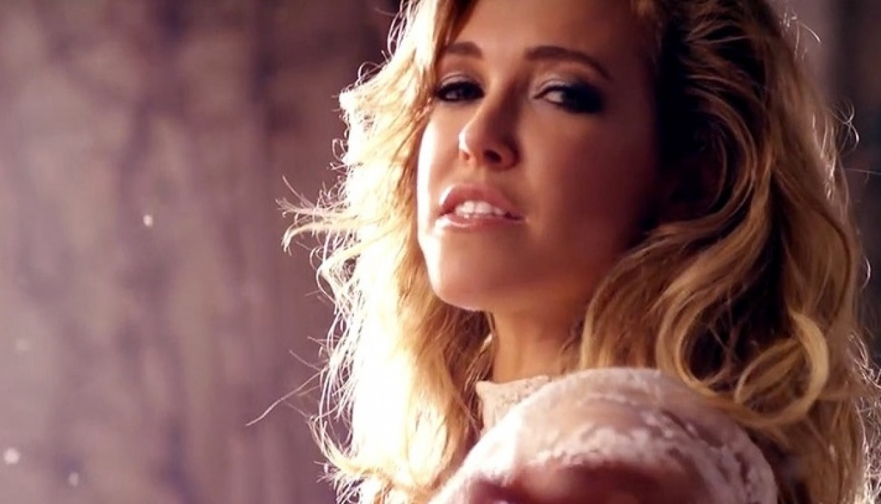 Rachel Platten habla de 'Stand by You' y de su álbum debut.