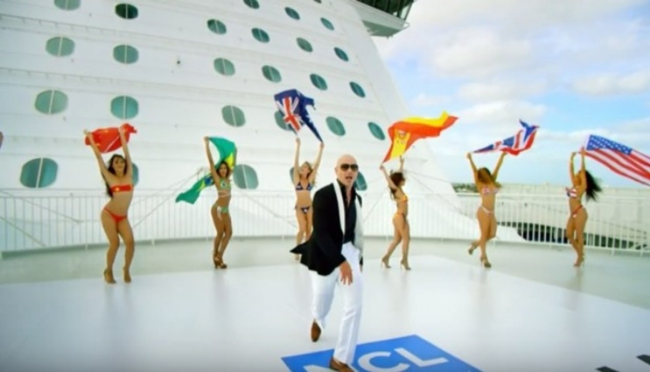 "Pitbull estrena video de su single ""Freedom""‏"