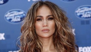 Jennifer Lopez estrena el lyric video de 'Ain't Your Mama'
