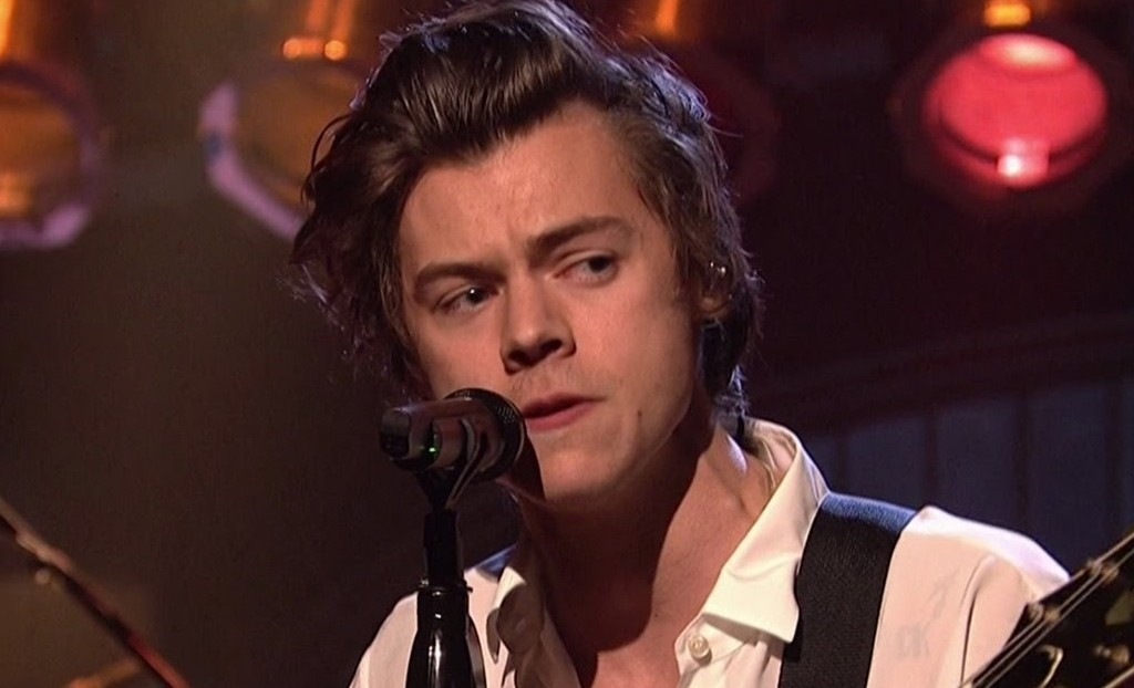 Harry Styles estrenó tema en Saturday Night Live